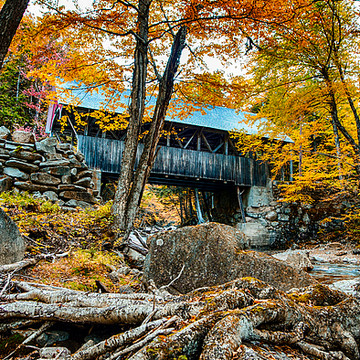 2017 Covered Bridges Under Fall Foliage Calendar Collection