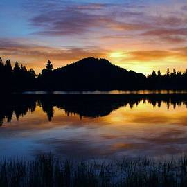 Stephen  Vecchiotti - Sprague Lake Sunrise Reflections