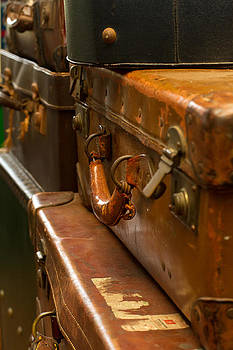 Fizzy Image - old fashioned suitcases