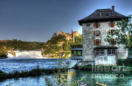 Ines Bolasini - Worth castle Rheinfall