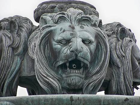 Eleigh Koonce - The Statue of The Lion Heads