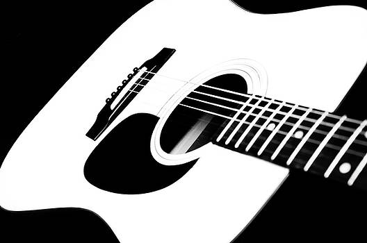 Andee Design - White Guitar 4